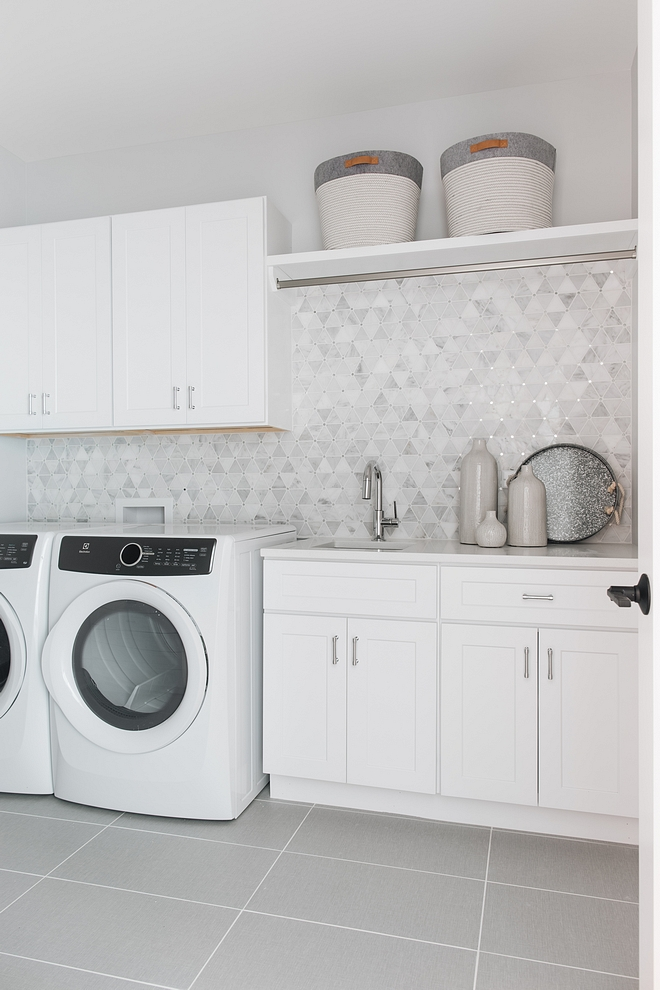 White laundry room cabinet paint color Sherwin Williams Extra White White laundry room cabinet paint color Sherwin Williams Extra White White laundry room cabinet paint color Sherwin Williams Extra White #Whitelaundryroom #laundryroomcabinet #laundryroompaintcolor #SherwinWilliamsExtraWhite