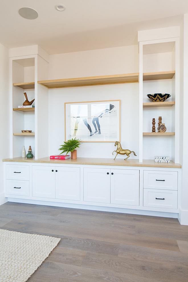 White Media Built-in with White Oak shelves Custom Media Built-in with White Oak shelves Living room Media Built-in with White Oak shelves #MediaBuiltin #WhiteOakshelves