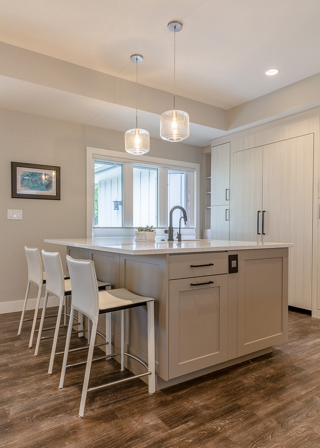 Benjmain Moore Stonington Gray HC-170 Island cabinetry is Durapro Stone Grey shaker style kitchen island #kitchenisland #paintcolor #shakerstyle