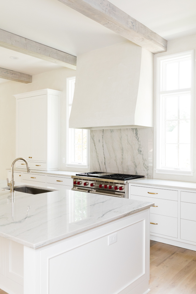 Kitchen Marble Countertop Antique White Marble countertop The countertop and backsplash (behind the range) is polished Antique White Marble #AntiqueWhiteMarble #whitemarblecountertop
