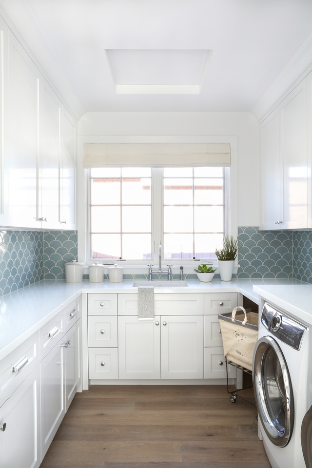 White Laundry room with Scallop Tile White Laundry room with Scallop Tile White Laundry room with Scallop Tile White Laundry room with Scallop Tile #WhiteLaundryroom #Laundryroom #ScallopTile