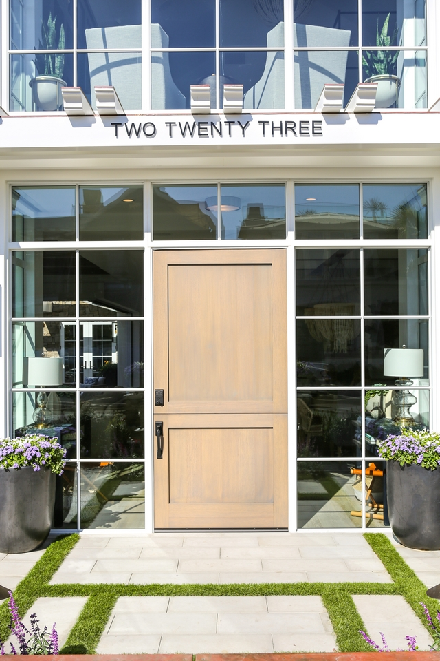 Dutch front door The front door is custom, Satin Grade Dutch Door with Flat Shaker Panels #dutchdoor #frontdoor #whiteaokdoor #door