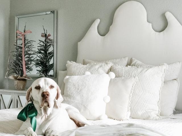 Ornate upholstered headboard DIY ornate upholstered headboard #upholsteredheadboard #headboard #diyheadboard
