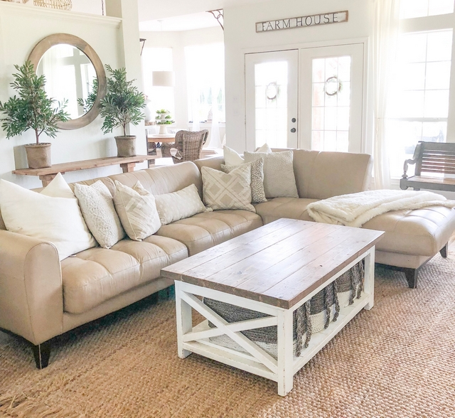 Neutral interior paint color Walls are painted in Alabaster by Sherwin Williams in eggshell #Neutralinteriorpaintcolor #Neutralinterior #neutralpaintcolor