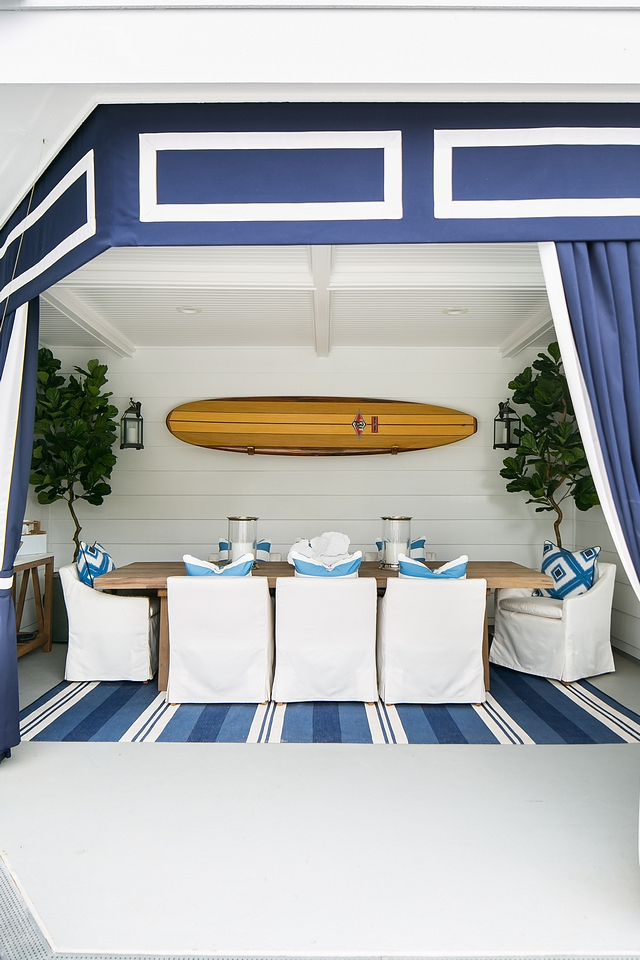 Outdoor Drapery custom outdoor draperies They add elegance and privacy to the outdoor dining area Back patio Outdoor Drapery Outdoor curtains Custom with Sunbrella Navy Blue and Sunbrella White #OutdoorDrapery #Outdoorcurtains #outdoors