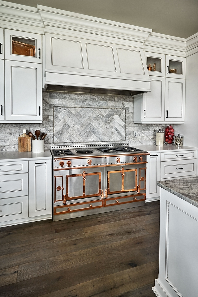 White kitchen with grey tile backsplash The kitchen backsplash tile Grey Travertine Tile White kitchen with grey tile backsplash ideas White kitchen with grey tile backsplash #Whitekitchen #greytile #greybacksplash