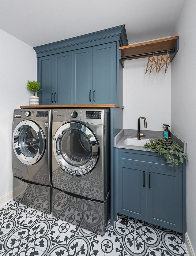 Slate Tile by Sherwin Williams SW 7624 Slate Tile by Sherwin Williams SW 7624 Cabinet paint color Slate Tile by Sherwin Williams SW 7624 Slate Tile by Sherwin Williams SW 7624 #SlateTilebySherwinWilliamsSW7624