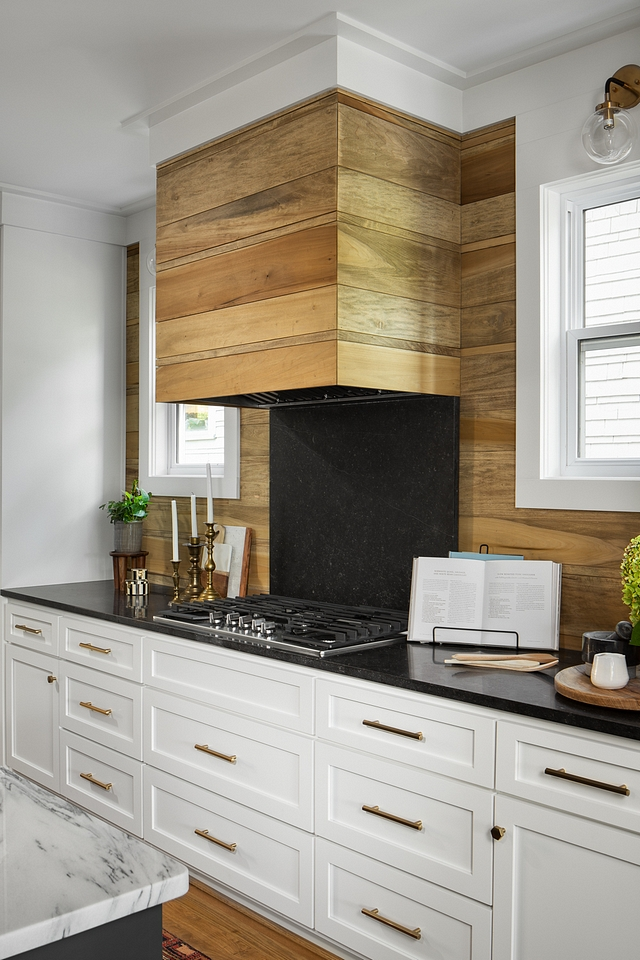 Kitchen Shiplap Hood Shiplap Backsplash The custom shiplap hood and shiplap backsplash was built to match the fireplace #Kitchen #Shiplap #Hood #Backsplash #shiplaphood #shiplapbacksplash