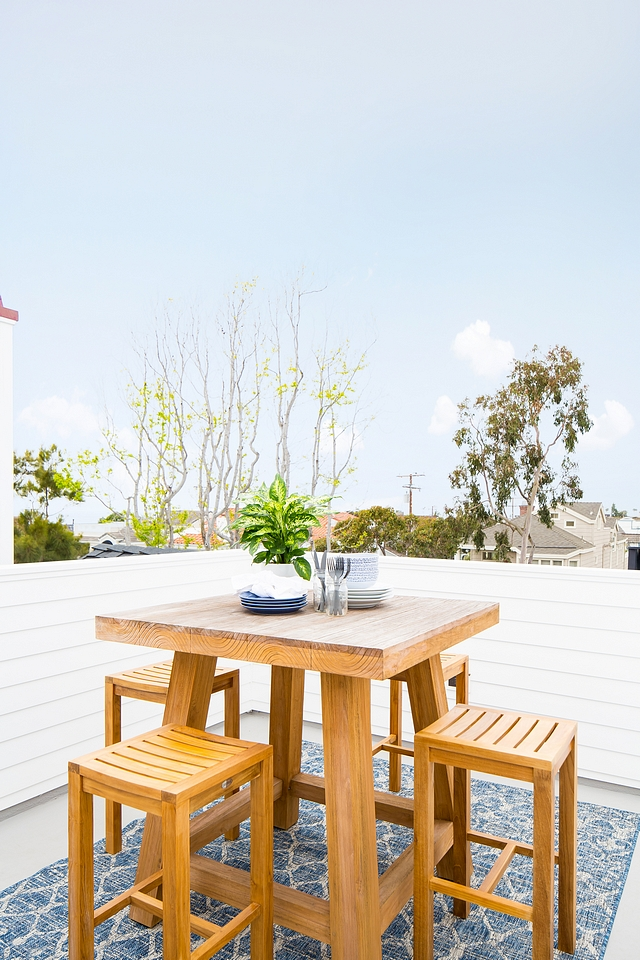 Rooftop dining area ideas