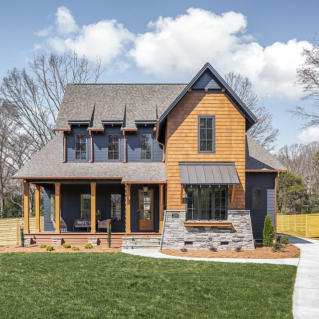 Dark Exterior Farmhouse Rustic meets modern in this newly-built modern farmhouse with dark exterior Dark Exterior Farmhouse Dark Exterior Farmhouse Dark Exterior Farmhouse #DarkExteriorFarmhouse #farmhouse #exterior #rustic #modern #modernfarmhouse