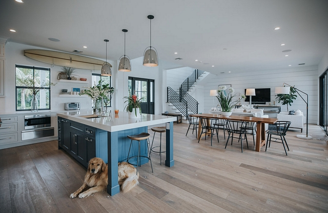 Modern farmhouse interiors The main floor of this modern farmhouse feels open and connected Notice the beautiful staircase with metal railings and the shiplap accent wall Modern farmhouse interiors Modern farmhouse interiors #Modernfarmhouseinteriors #Modernfarmhouse