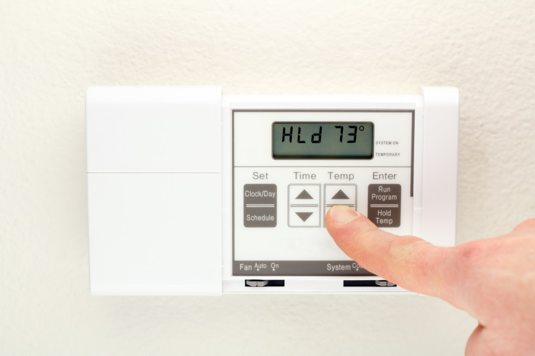 How to keep temperatures in your home comfortable during - What temperature to keep house in winter when gone ...