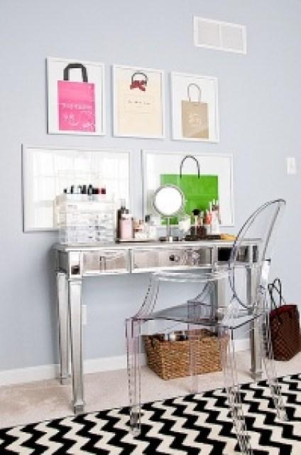 Mirrored Vanity Transparent Chair