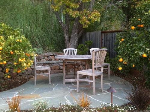 Easy Tips to Create Beautiful Small Backyard Patio Ideas ... on Small Backyard Decor id=52821