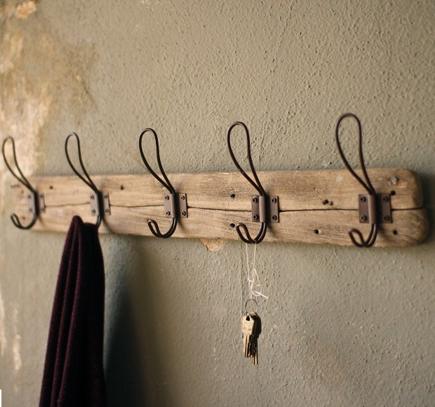 recycled-wooden-coat-rack-with-hooks_3