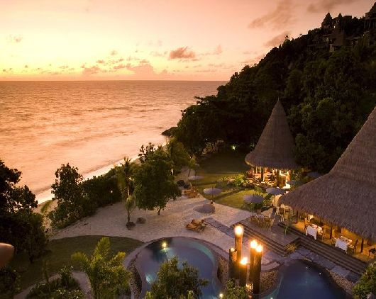 maia luxurious resort in the seychelles 1 gardening outdoor