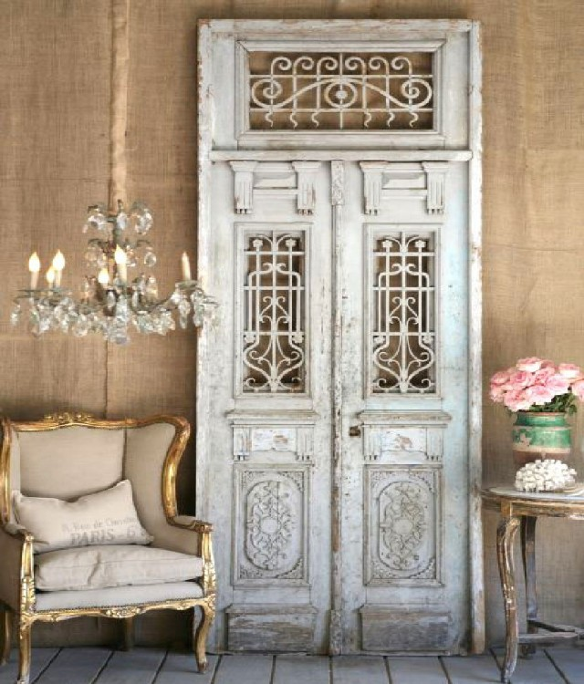 Antique Chandeliers For Your Living Room