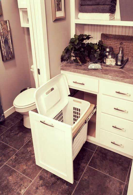 pull-out-storage-ideas-for-your-bathroom-1