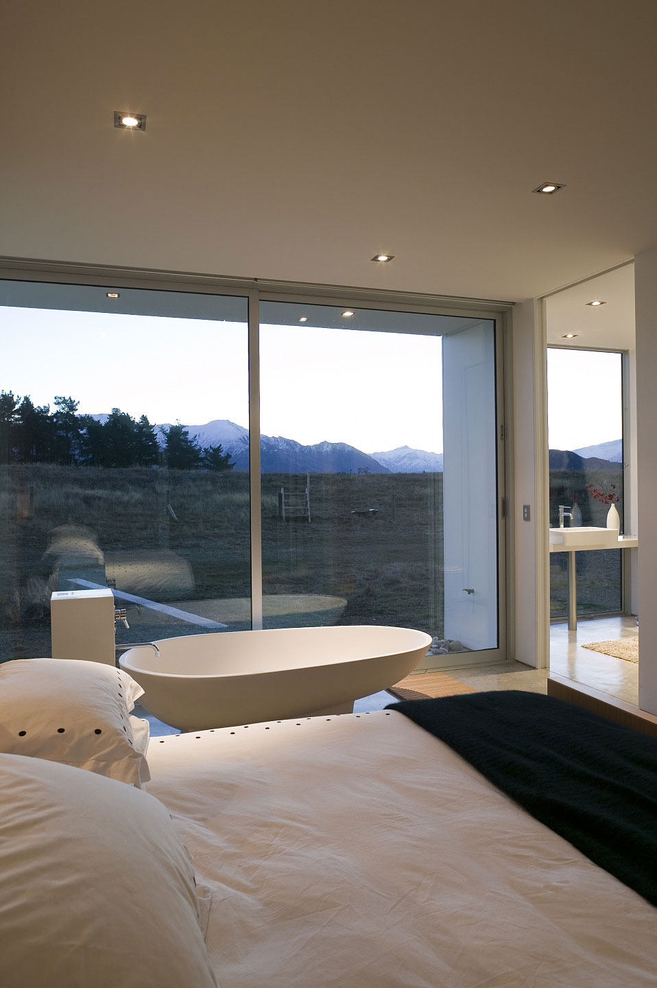 Modern glass house in New Zealand | Homedezen on Modern Glass Houses  id=11653