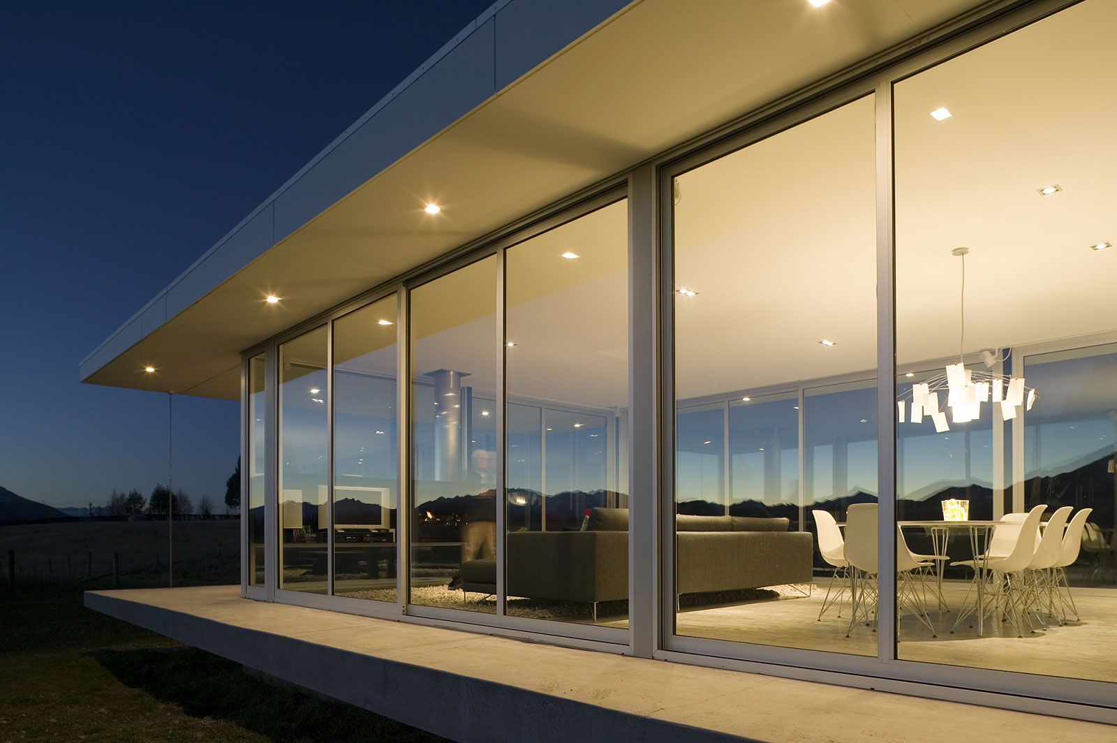 Modern glass house in New Zealand | Homedezen on Modern Glass Houses  id=21295