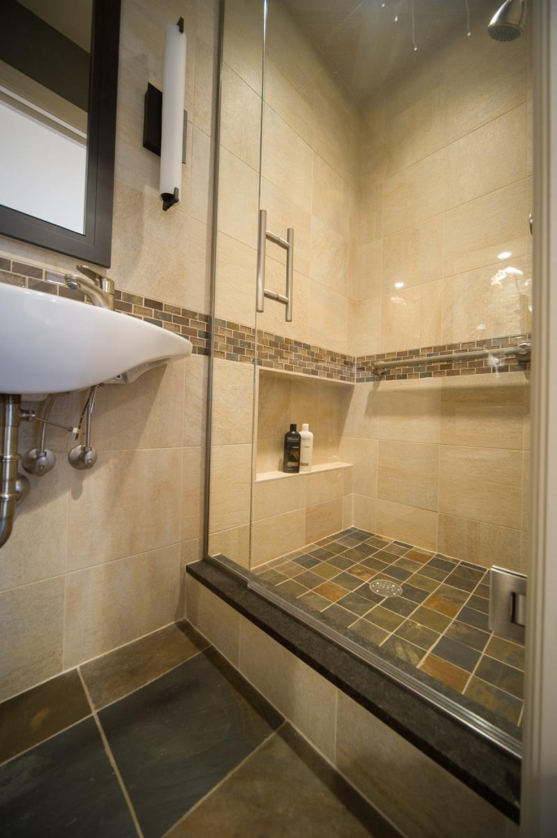 21 Simply Amazing Small Bathroom Designs on Bathroom Designs For Small Spaces  id=88154