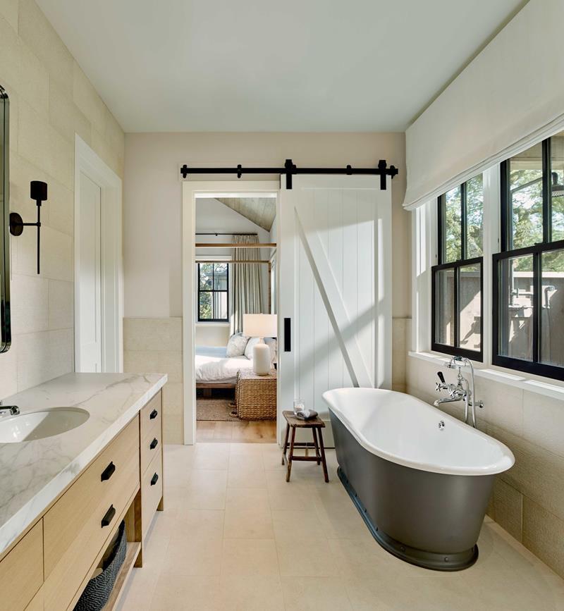21 Farmhouse Bathrooms for 2019 on Farmhouse Shower Ideas  id=75037