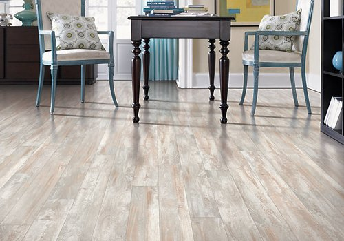 Best Laminate Flooring Pros Amp Cons Reviews And Tips