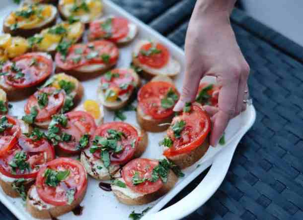 Enjoying Fresh Heirloom Tomatoes on the Balcony Garden | Home for the Harvest
