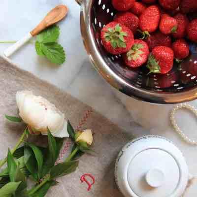 Growing Strawberries Indoors: How to Grow Strawberries Indoors