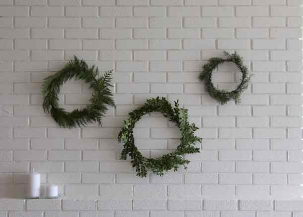 How to Make Simple Fresh Holiday Wreaths