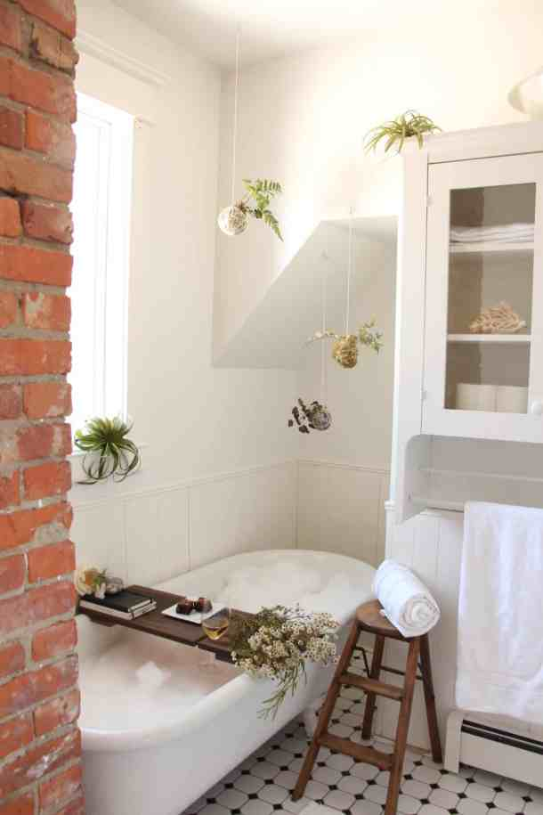 The Perfect Bubble Bath: How to Create a Relaxing Bath