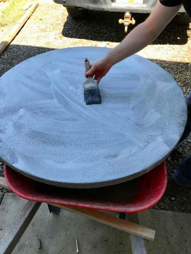 Sealing a round concrete table top with concrete sealant