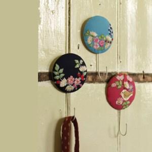 Embroidered fabric hooks