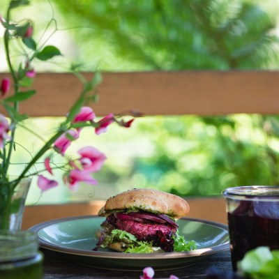 Summer Barbecue: DOUBLE BEETROOT BURGERS