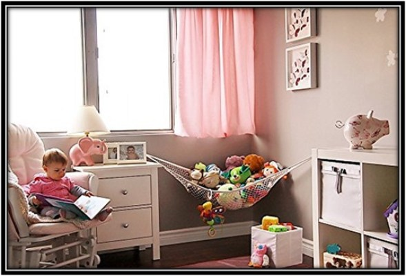 Toy storage hammock to hold the soft toys - home decor ideas