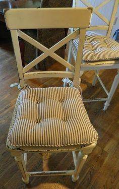 Questo metterà in risalto la decorazione, ma per evitare di sovraccaricare scegli di abbinarla a sedie grigie o tortora. Cuscini Per Sedie Per Ogni Esigenza Di Stile Homehome