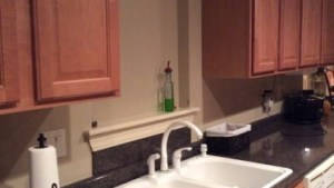How To Decorate Wall Behind Kitchen Sink: 5 Tips To Use