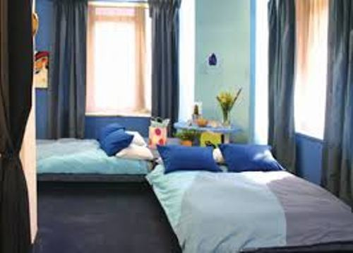 How To Arrange A Bedroom With Two Beds 5 Guides For