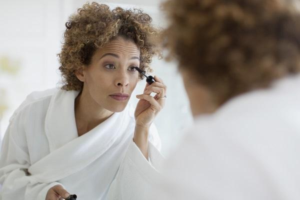 Maquiagem e lentes de contato