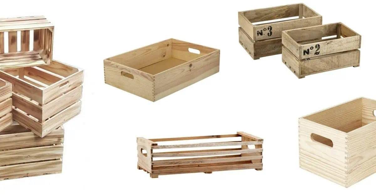 des caisses en bois et des cagettes