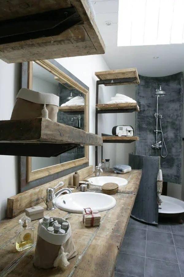 salle de bains rustique