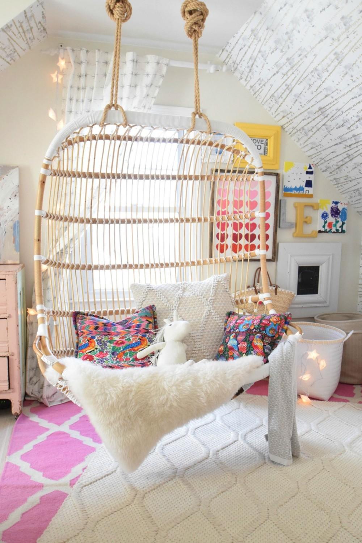 23 Stylish Teen Girl's Bedroom Ideas | Homelovr on Teenage Bed  id=94921