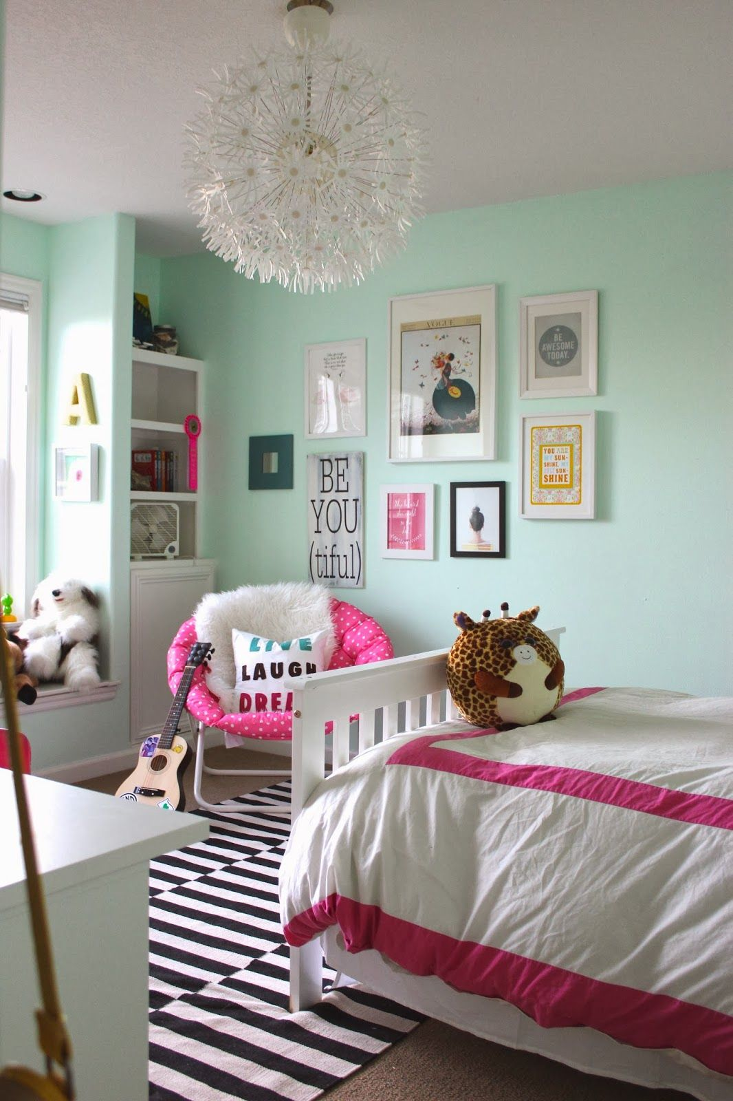 23 Stylish Teen Girl's Bedroom Ideas | Homelovr on Teenage Rooms  id=81894
