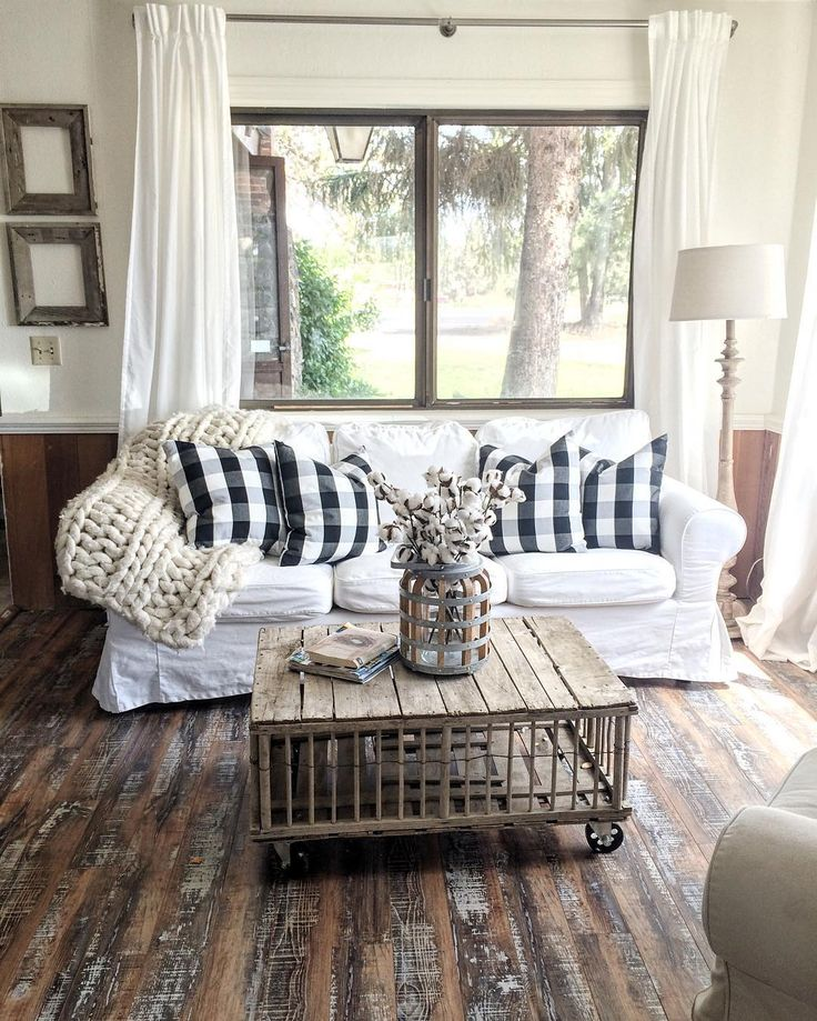 27 Rustic Farmhouse Living Room Decor Ideas for Your Home ... on Farmhouse Curtain Ideas For Living Room  id=57827
