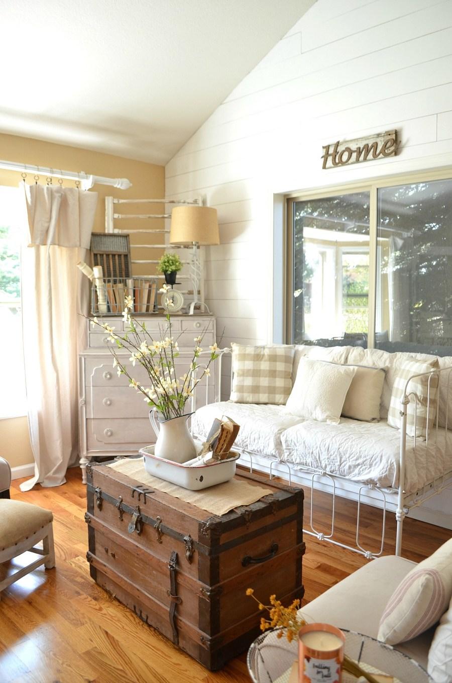 27 Rustic Farmhouse Living Room Decor Ideas for Your Home ... on Farmhouse Living Room Curtains  id=35987