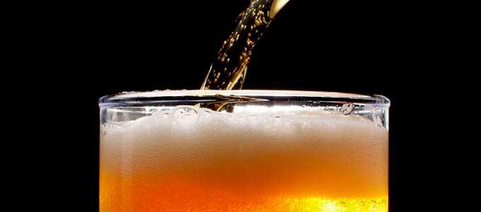 servindo_cervejas