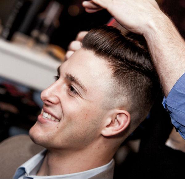 Homem No Espelho - Corte de cabelo