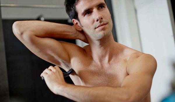 Homem No Espelho - Pelos corporais onde aparar e onde deixar - Depilação masculina - Axilas