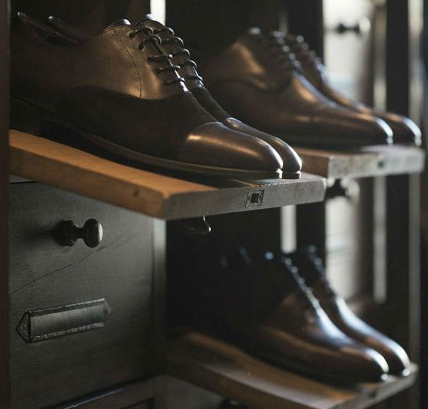 Homem No Espelho - Sapatos