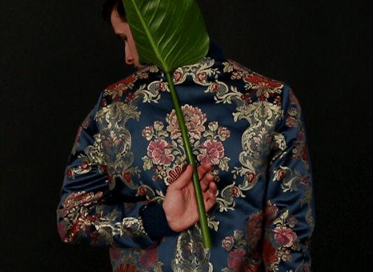 Jaqueta da coleção Jacquard criada por Pharrell em parceria com a didas Originals
